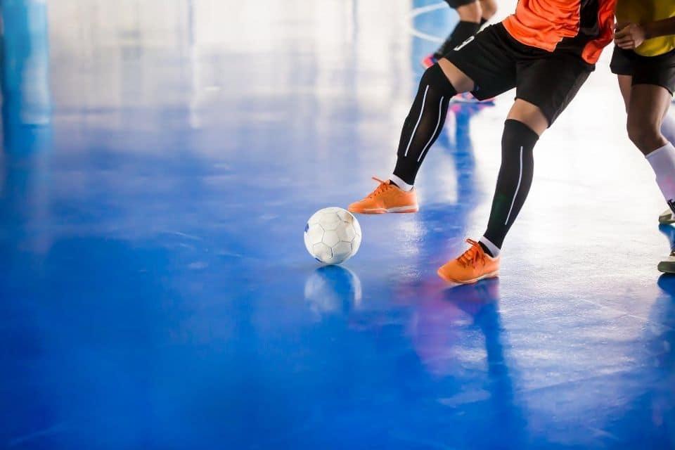 How do you play futsal like a pro?